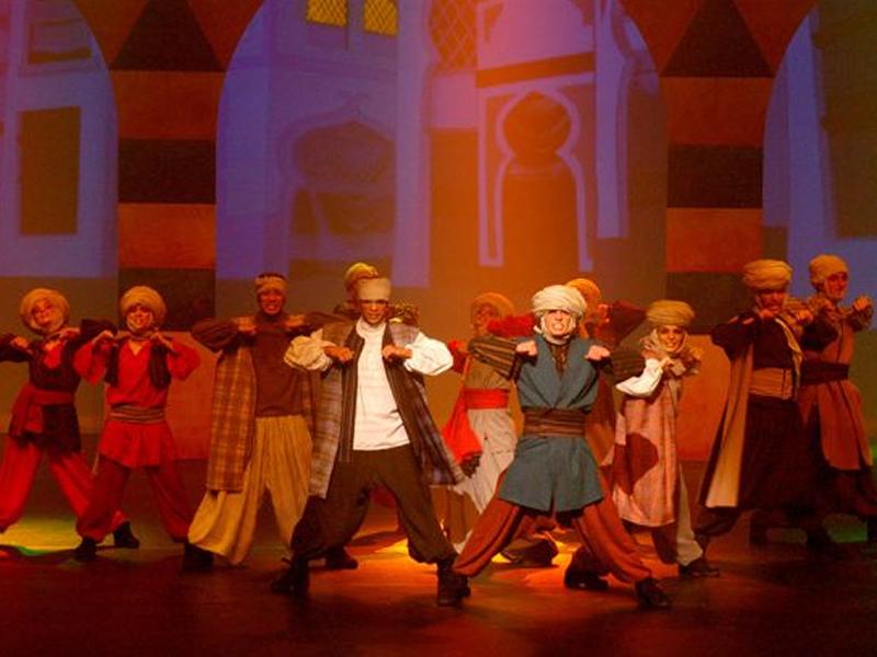 Une scène de danse - Scène - Images - Aladin - L'éclate