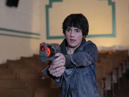 Ethan et sa mitraillette