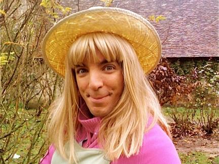 Pr te pour le jardinage images samantha oups s ries la t l - Samantha oups sur le banc ...