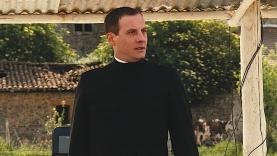 Teaser : le Père Simon dans la guerre des boutons