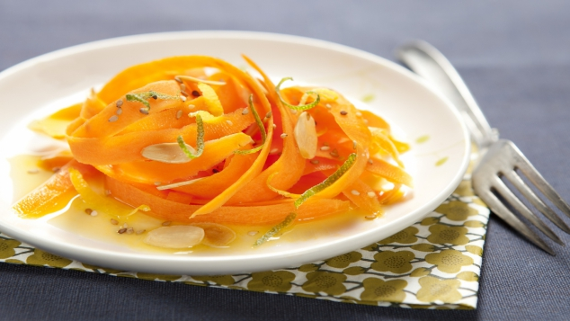 Tagliatelles de carottes primeur, sauce à l'orange