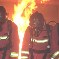mission : protection : « marseille : le feu sacré des marins-pompiers »