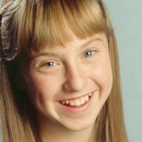 Sophie Bennet (Steph Lake)