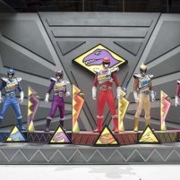 Les Power Rangers Dino Super Charge