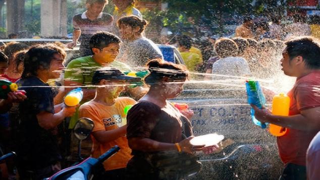 Bataille d'eau géante à Bangkok