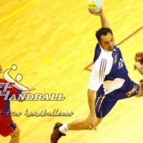 Handballeur en pleine extension !