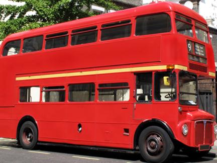 Pin coloriage bus londre s on pinterest - Image de bus anglais ...