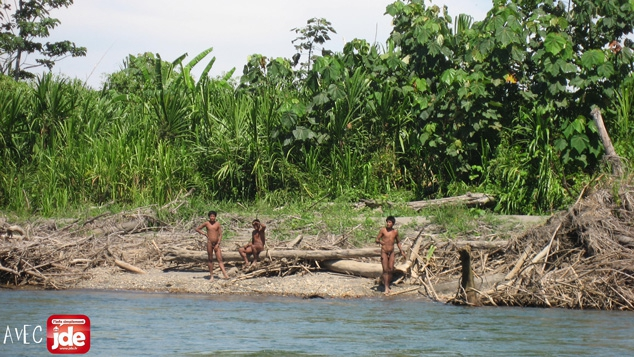 La tribu mashco-piro, au Pérou