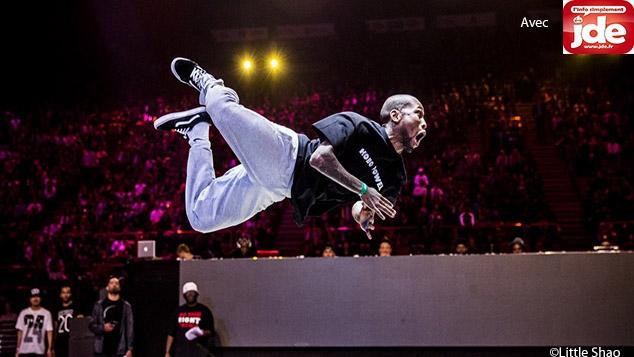 Les acrobates de la danse JDE