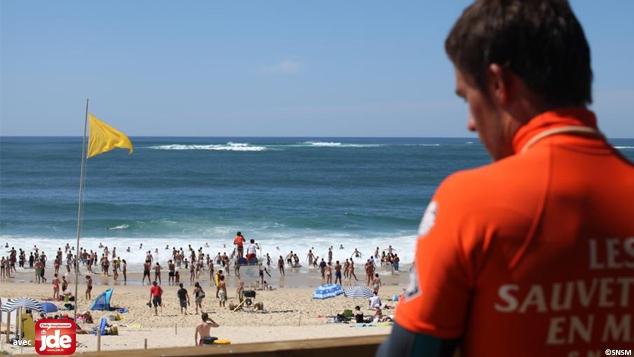 Pour profiter de la plage, c'est tout un travail !