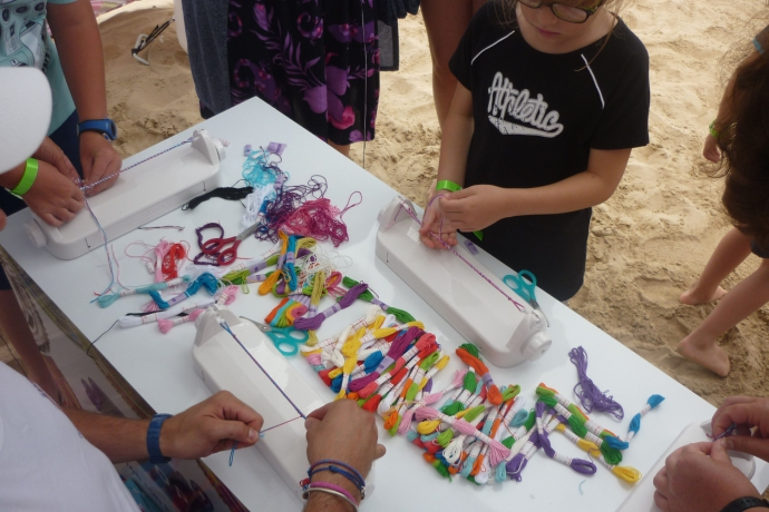 Ateliers créatifs sur la plage avec Loopdedoo