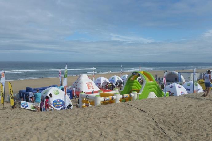 Le village des kids a la plage