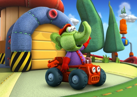 Elo roule dans son joli camion rouge