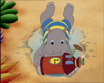 Petit Potam joue dans le sable