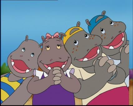 Les enfants Potam sourient et posent tous ensemble