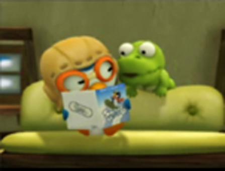 Crong et Pororo lisent sur le canapé du salon